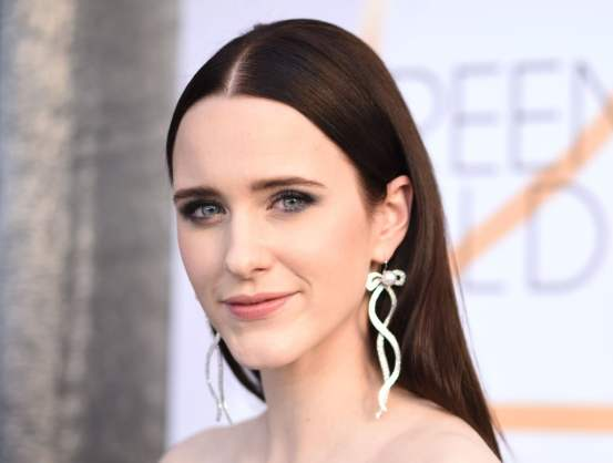 rachel-brosnahan close up